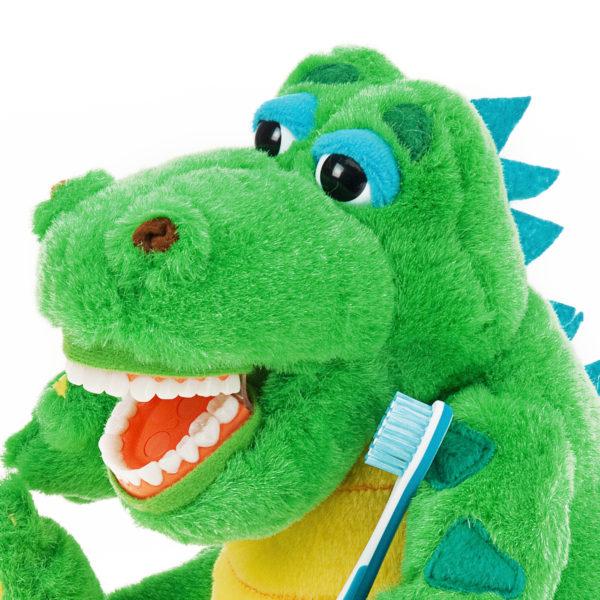 allie gator plush dental brushing detail1